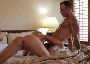 Sinfully sexy tattooed MILF golden-haired Jessica Drake gives moth job with her priceless tight ass up and then bounces on cock. That babe arches her back during 10-Pounder riding. Hot bedroom action with lovely Jessica Drake!