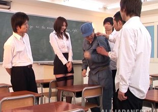 Take charge Japanese hotty sits on his face and hard dick