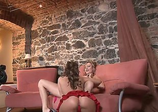 Brunette Silvia Saint and Sandra Sanchez have lesbian sex session of their lifetime