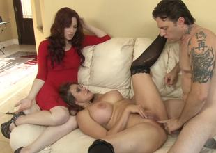 Two ladies that love anal sex are getting screwed in a threesome