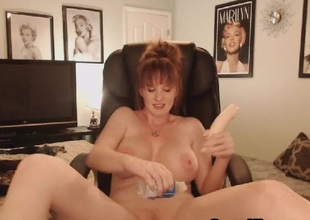 Sexy Big Tits MILF Shows Naked in a Sexy Pussy Maturbation Show