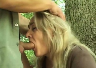 Wicked blonde can't wait for her boyfriend to nail her in the woods