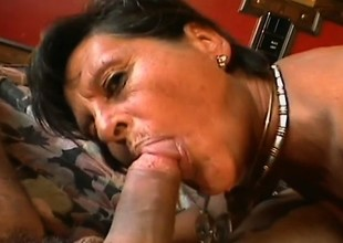 Mature slut in need of a hard cock receives banged in a hotel room