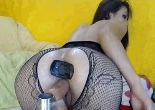 Cam girl squirts like crazy!