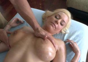 Honey arouses hunks needs with her sexy riding