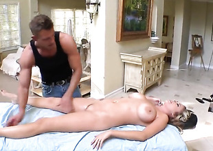 Katie Kox gets a sex massage